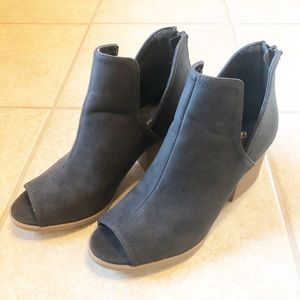 Qupid Peep Toe Booties, Size 6
